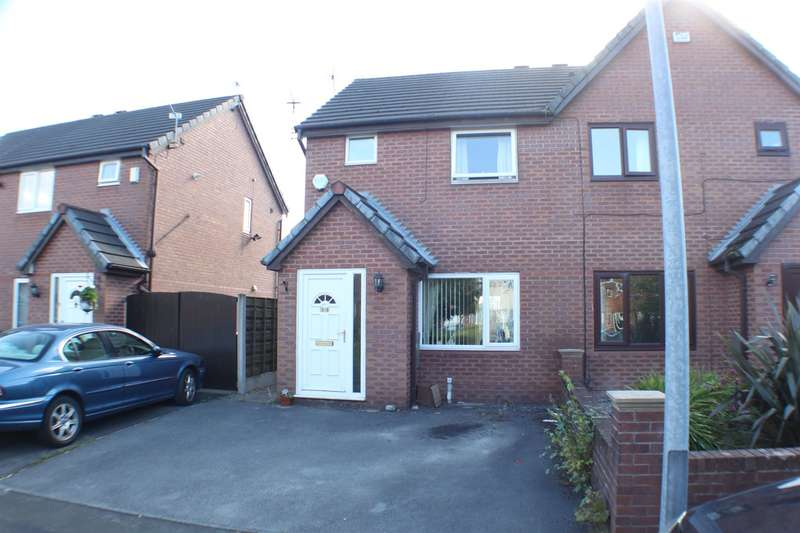 2 Bedrooms Property for sale in Wayfarers Way, Swinton, Manchester
