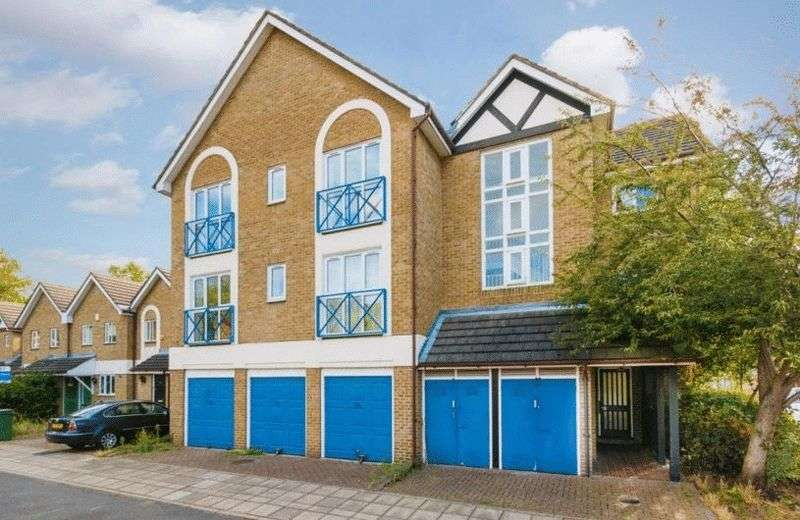 1 Bedroom Flat for sale in A unique opportunity to purchase a one bedroom purpose built flat in a sought after area, close to local amenities.