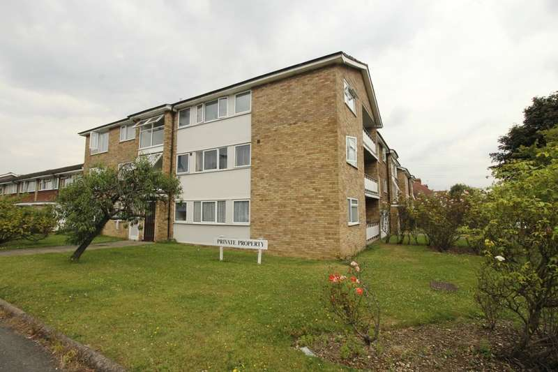 2 Bedrooms Flat for sale in Gander Green Lane, Cheam, Sutton, SM3