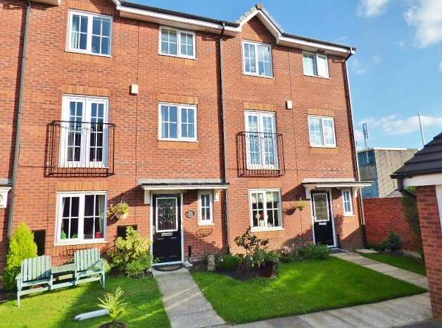 3 Bedrooms Town House for sale in Rushton Close, Burtonwood, Warrington