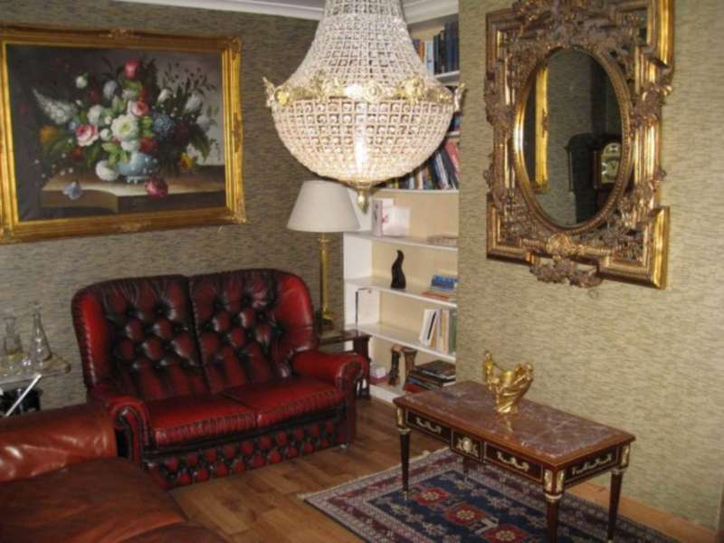 3 Bedrooms Flat for sale in Holly Park Estate, Islington