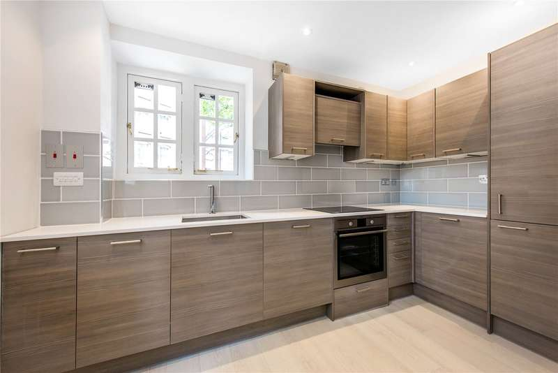 3 Bedrooms Ground Flat for sale in Marsham Street, London, SW1P