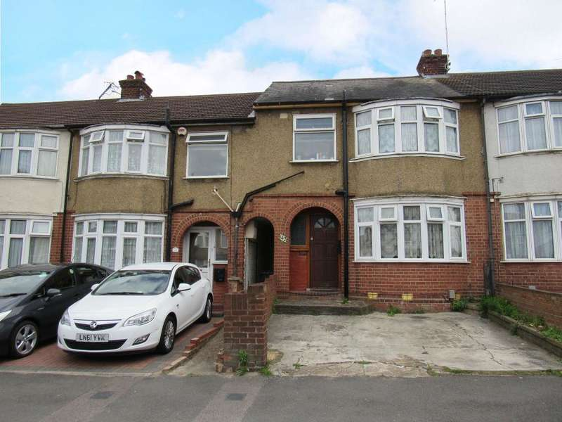 3 Bedrooms Terraced House for sale in Blundell Road, Luton, Beds, LU3 1SP