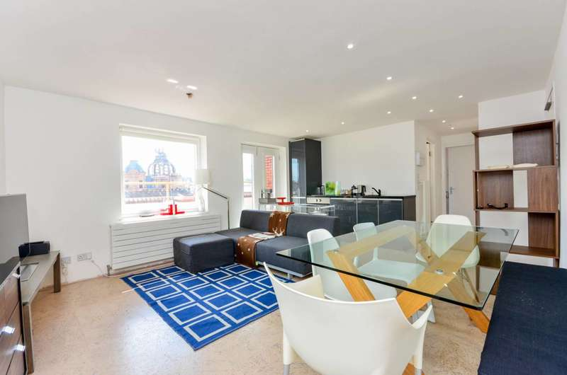 2 Bedrooms Flat for sale in Vale Royal House, Newport Court, Covent Garden, WC2H