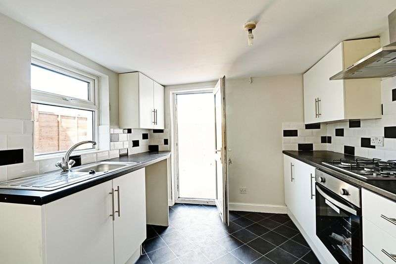 2 Bedrooms Terraced House for sale in Wynburg Street, Hull