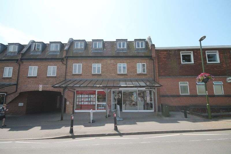 2 Bedrooms Flat for sale in Adastra Place, Keymer Road, Hassocks, West Sussex,
