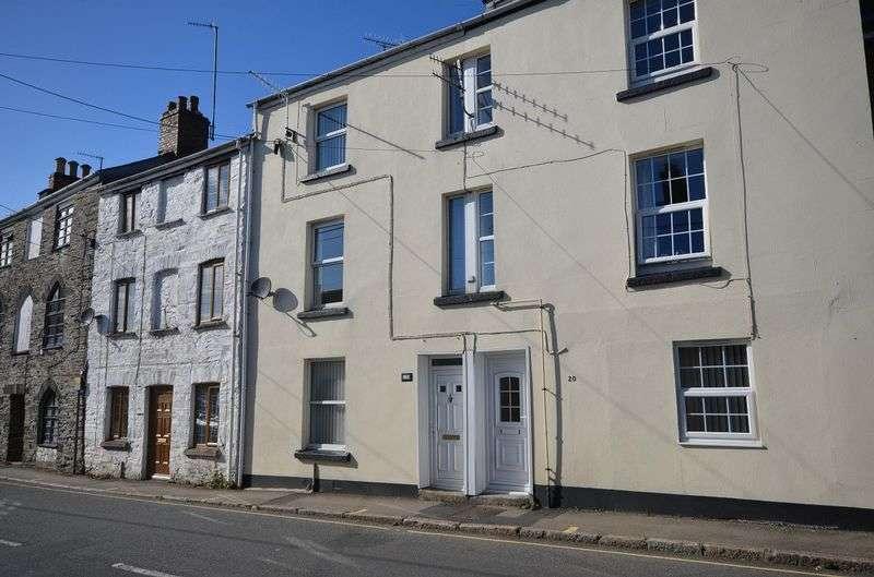 4 Bedrooms Terraced House for sale in Ford Street, Tavistock