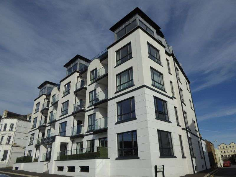 3 Bedrooms Flat for sale in The Promenade, Port Erin