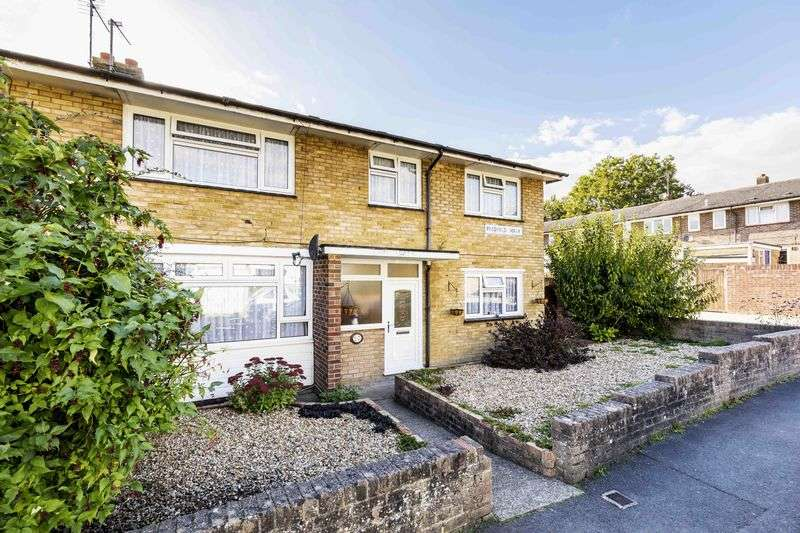 5 Bedrooms Semi Detached House for sale in Passfield Walk, Havant