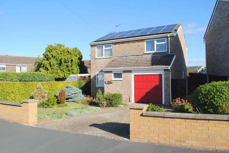 4 Bedrooms Detached House for sale in Farnham Drive, Rushden