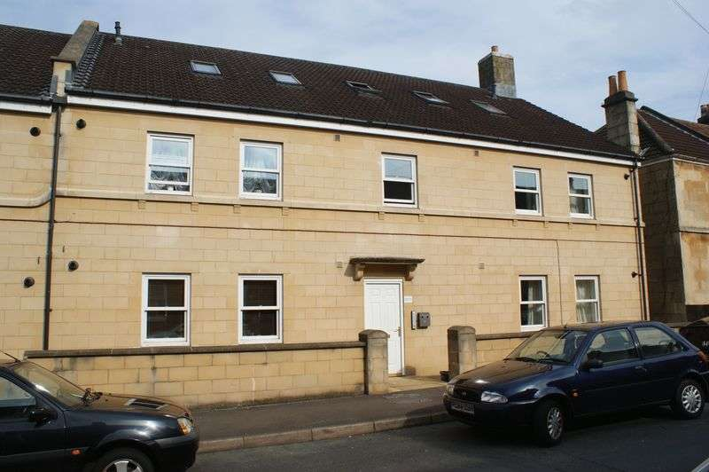 2 Bedrooms Flat for sale in Albany Road, Bath