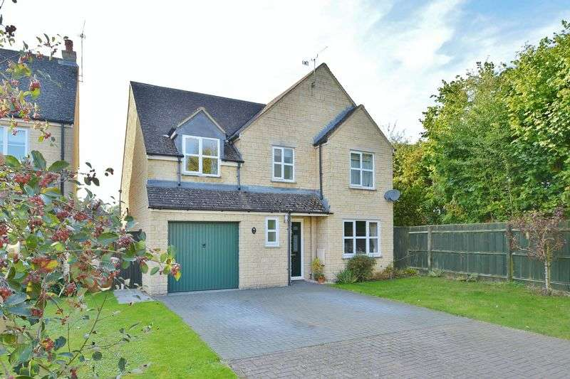 5 Bedrooms Detached House for sale in Perrinsfield, Lechlade, Gloucestershire.