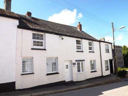 3 Bedrooms Terraced House for sale in St. Columb, Cornwall