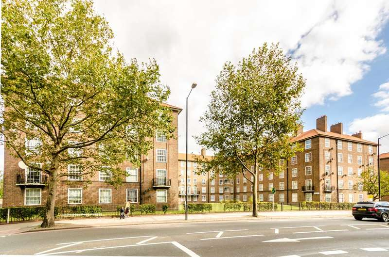 2 Bedrooms Flat for sale in Mawbey House, Old Kent Road, South Bermondsey, SE1