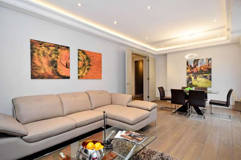 3 Bedrooms Flat for sale in Brown Street, Marylebone, W1H