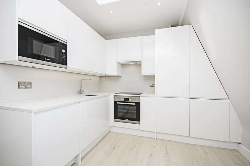 1 Bedroom Flat for sale in Woodhouse Road, North Finchley, N12