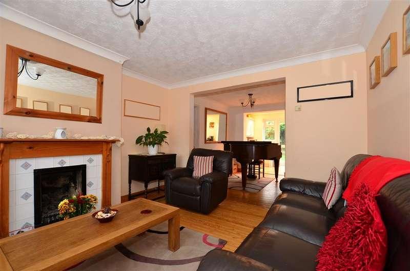5 Bedrooms Semi Detached House for sale in Sandown Drive, Rainham, Gillingham, Kent