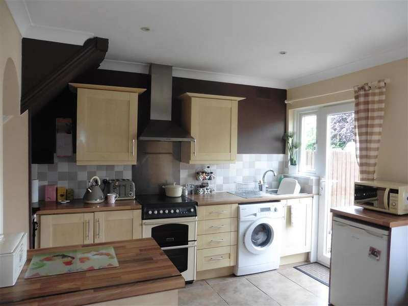 3 Bedrooms Semi Detached House for sale in Ashford Road, Canterbury, Kent