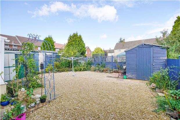 3 Bedrooms Flat for sale in California Road, BRISTOL, BS30 8AY