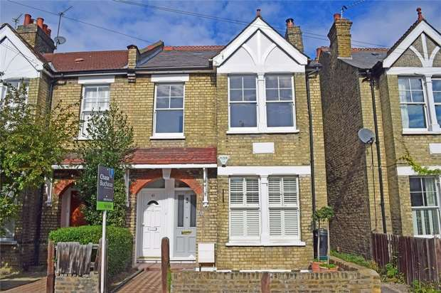 3 Bedrooms Maisonette Flat for sale in Kenley Road, St Margarets, Twickenham