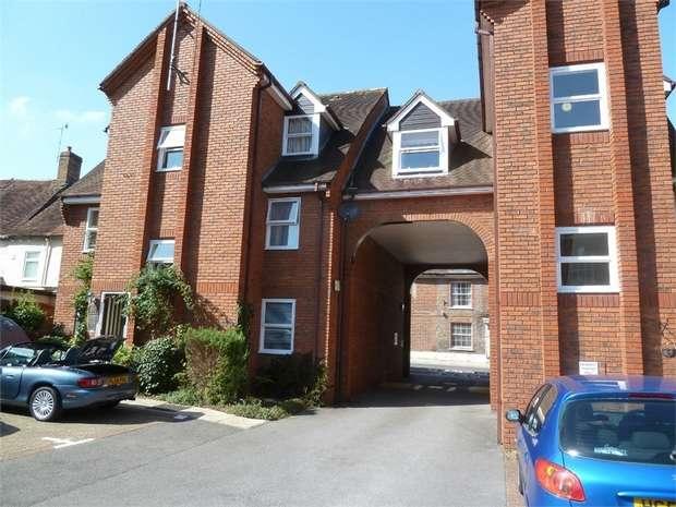 1 Bedroom Flat for sale in East Street, Blandford Forum, Dorset