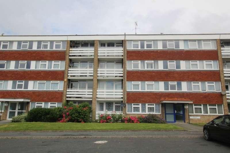 2 Bedrooms Flat for sale in Westerham Road, Eastbourne, BN23