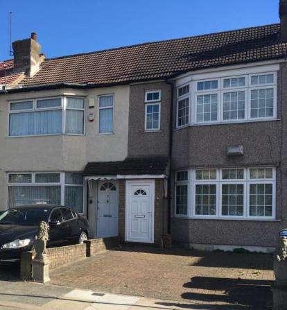 3 Bedrooms Terraced House for sale in Pembroke Avenue, Enfield