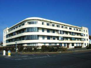 2 Bedrooms Flat for sale in Onslow Court, Brighton Road, Worthing, West Sussex