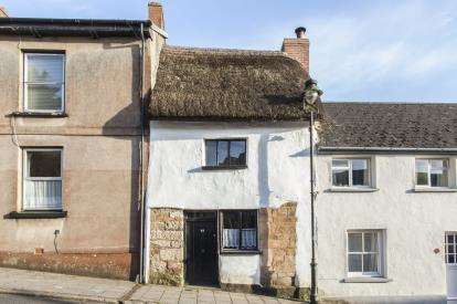 2 Bedrooms Terraced House for sale in Hatherleigh, Okehampton, Devon