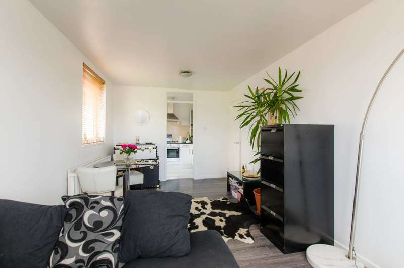 1 Bedroom Flat for sale in Silverthorne Road, Diamond Conservation Area, SW8
