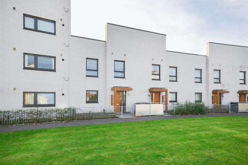 2 Bedrooms Terraced House for sale in 185 Greendykes Road, Craigmillar, Edinburgh, EH16 4GW