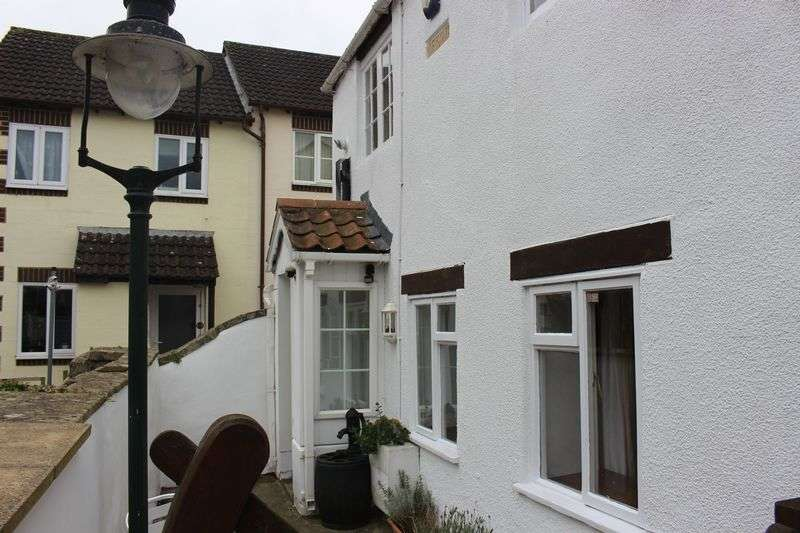 2 Bedrooms Terraced House for sale in London Road, Calne