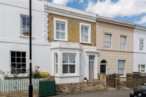 3 Bedrooms Terraced House for sale in Idmiston Road, London