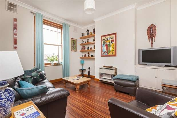 2 Bedrooms Maisonette Flat for sale in Knights Hill, West Norwood