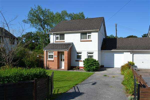 3 Bedrooms Semi Detached House for sale in Cwmtawel, Bronwydd, Carmarthen