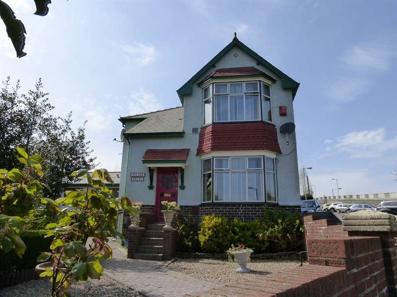 3 Bedrooms Detached House for sale in Victoria Road, Cwmfields, Pontypool