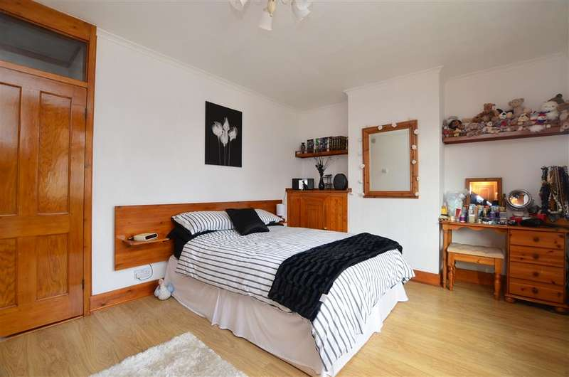2 Bedrooms Terraced House for sale in Clare Road, Whitstable, Kent