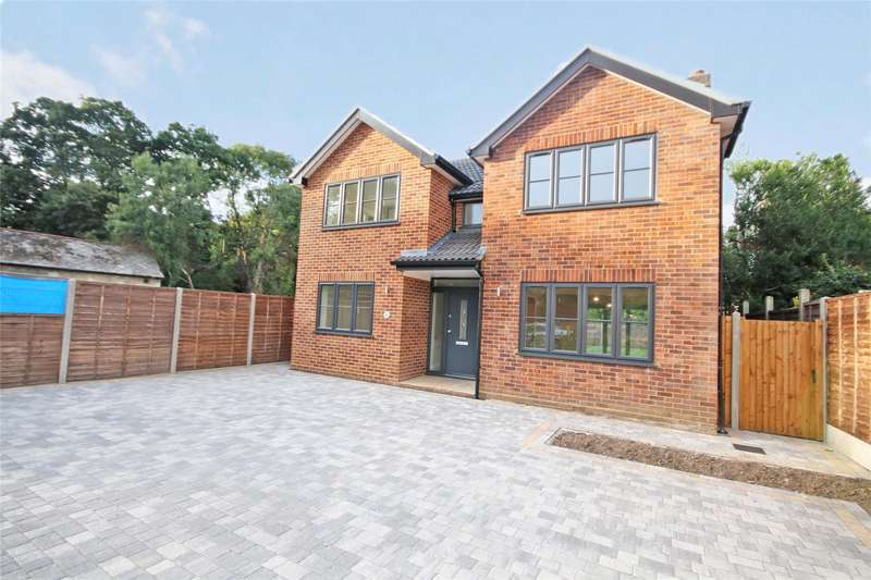 4 Bedrooms Detached House for sale in Little Green Lane, Chertsey, Surrey, KT16