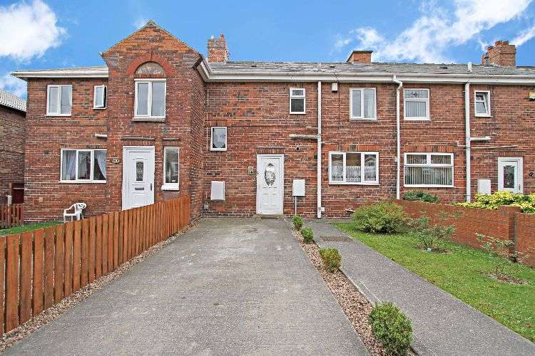 3 Bedrooms Terraced House for sale in Hope Avenue, South Yorkshire, S63 9EA