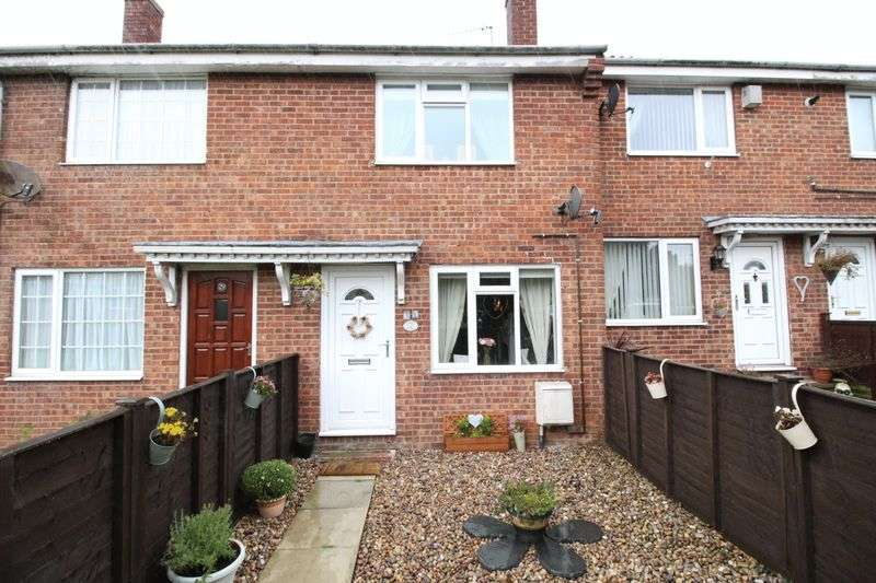2 Bedrooms Terraced House for sale in Priest Close, Hunmanby