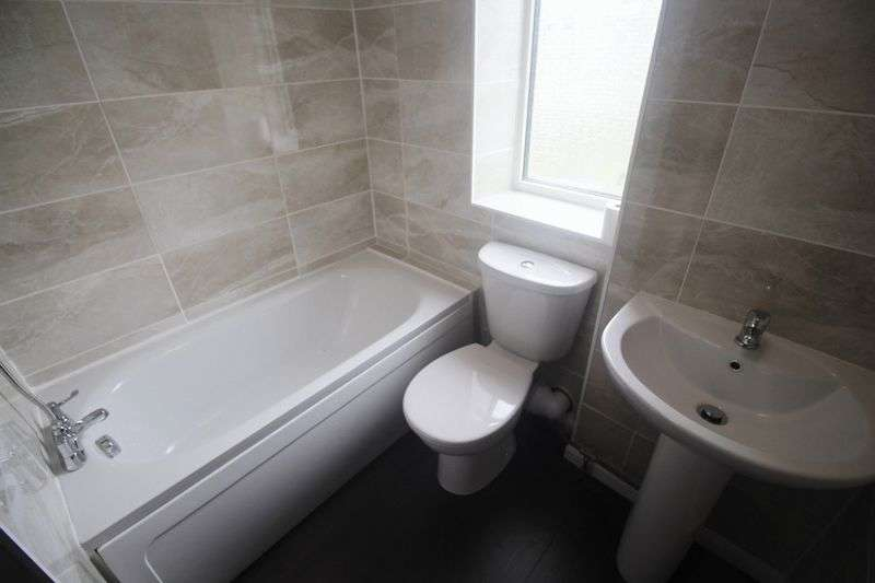 2 Bedrooms Terraced House for sale in Providence Buildings, Southowram