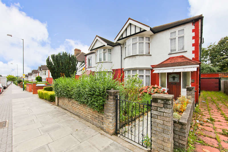 4 Bedrooms Semi Detached House for sale in Robson Avenue, Willesden