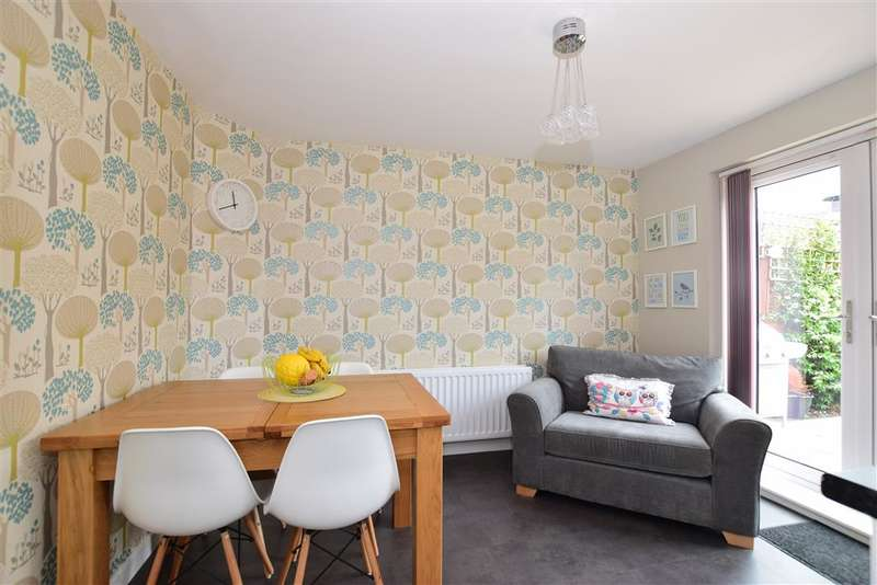 3 Bedrooms Detached House for sale in Buttercup Avenue, Minster On Sea, Sheerness, Kent