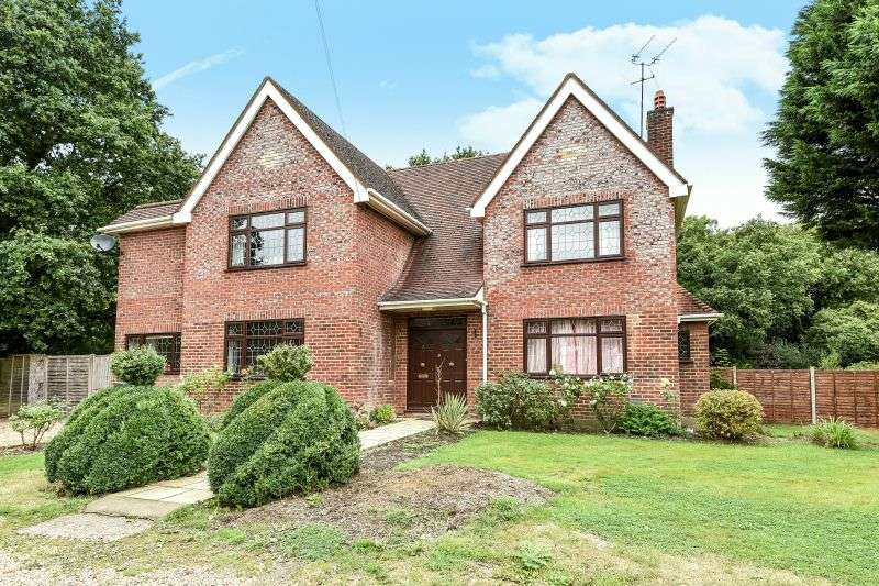 4 Bedrooms Detached House for sale in Ebury Close, Northwood