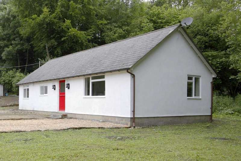 3 Bedrooms Bungalow for sale in A Detached House and Detached Bungalow on a 1.5 Acre Plot, in Whitchurch