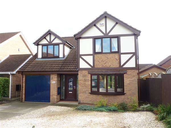 4 Bedrooms Detached House for sale in SHAW DRIVE, SCARTHO, GRIMSBY
