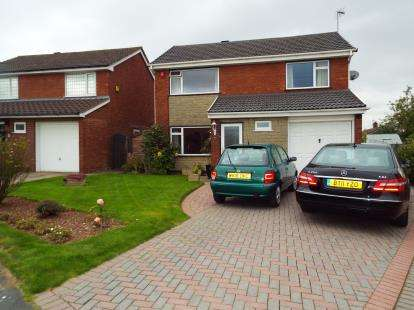 4 Bedrooms House for sale in Bunbury Drive, Higher Runcorn, Runcorn, Cheshire, WA7