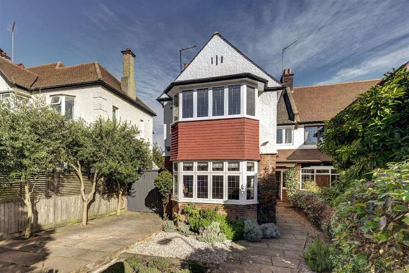 5 Bedrooms House for sale in Chatsworth Road, Willesden, NW2