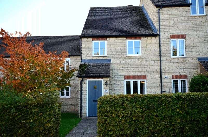 3 Bedrooms Terraced House for sale in Bluebell Way, Carterton