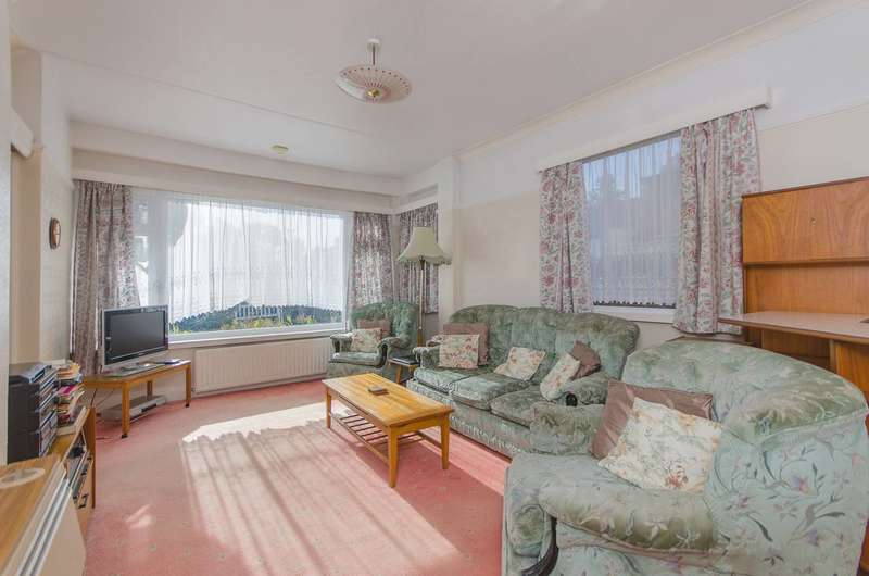 3 Bedrooms Bungalow for sale in Brookside Way, Shirley, CR0